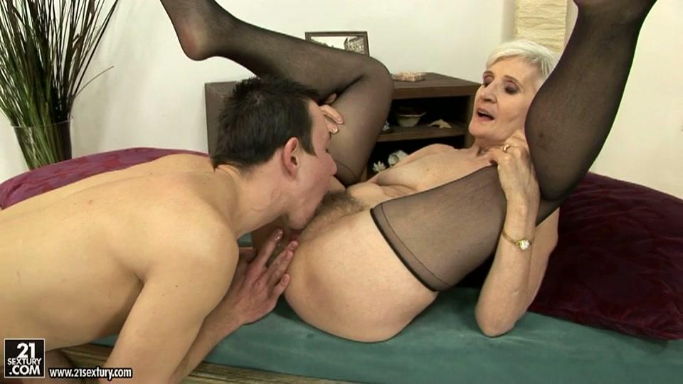 oude tante neuken lekker mastruberen